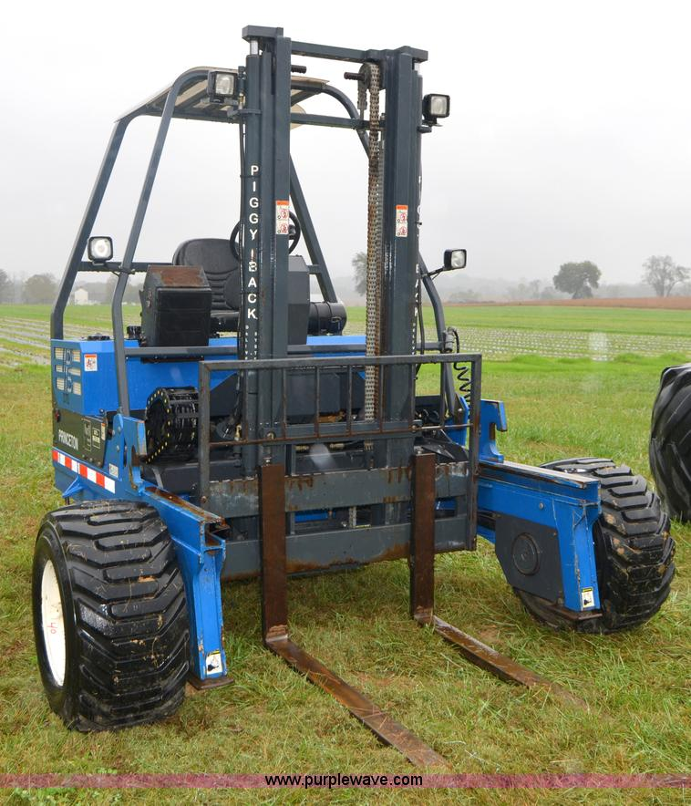 A4953.JPG - 2006 Princeton PB50 piggyback forklift , 572 hours on meter , Caterpillar 3024C four cylinder diesel...