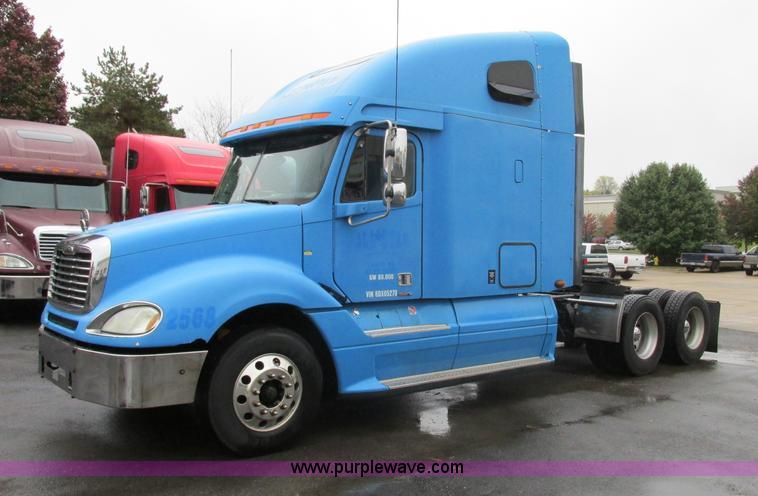 F5358.JPG - 2006 Freightliner Columbia CL120 semi truck , 999,426 miles on odometer , Caterpillar C15 14 6L L6 t...