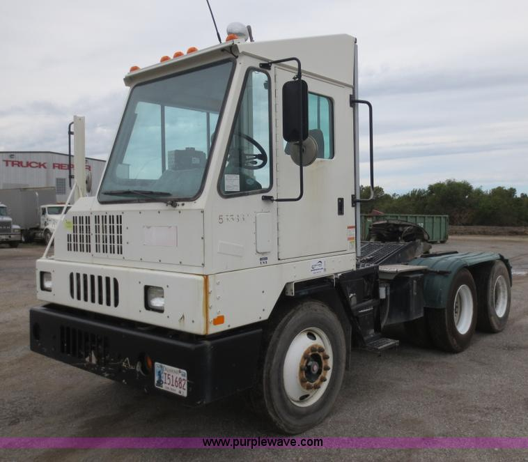 F6707.JPG - 2008 Ottawa YT Railer terminal tractor , 49,118 miles on odometer , 24,732 hours on meter , Cummins ...