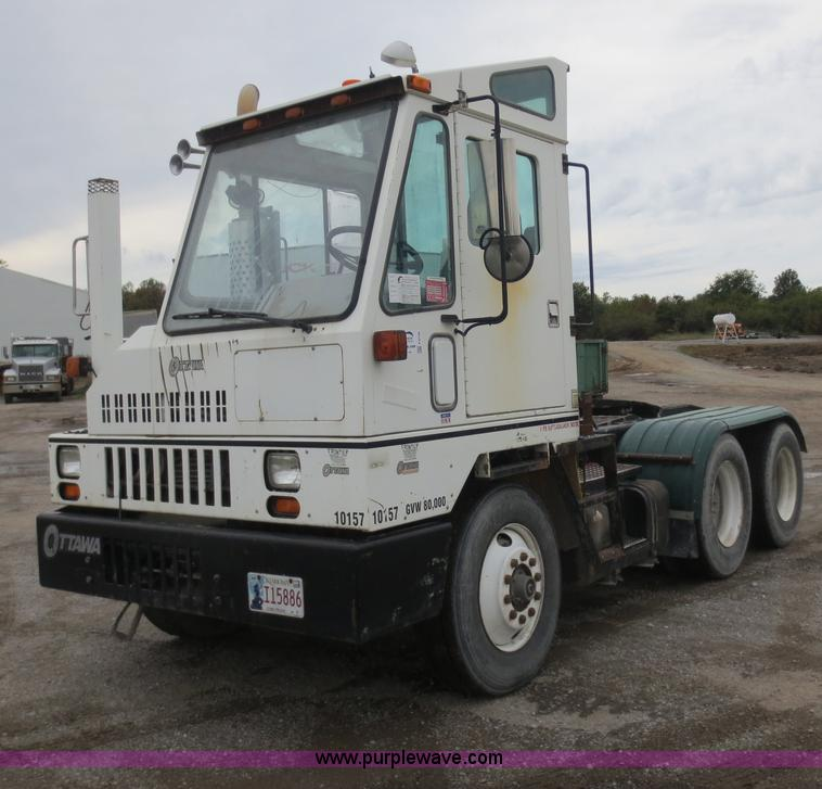 F6708.JPG - 2000 Ottawa CY50T terminal tractor , 84,292 miles on odometer , 34,860 hours on meter , Cummins ISC ...