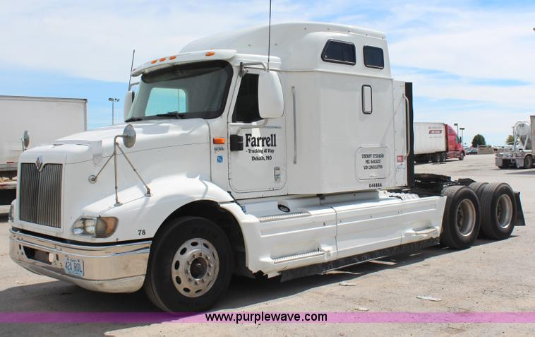 H6766.JPG - 2002 International 9200i semi truck , 119,932 miles on odometer , Cummins ISX 450 14 9L L6 diesel en...