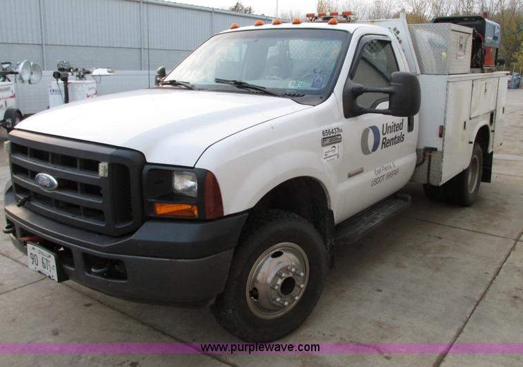 G9206.JPG - 2007 Ford F350 Super Duty service truck , 144,903 miles on odometer , Miles may vary, still in use ,...