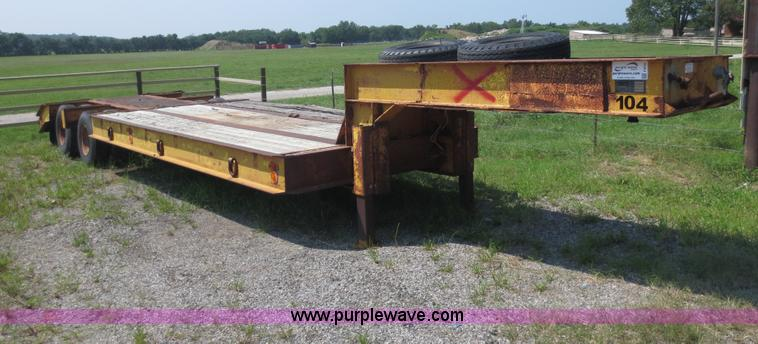 F6655.JPG - 1966 Load Craft 25 ton trailer , Model MT2520RLB , 25L x 96 quot W , Wood deck , Air brakes , 8 25R1...