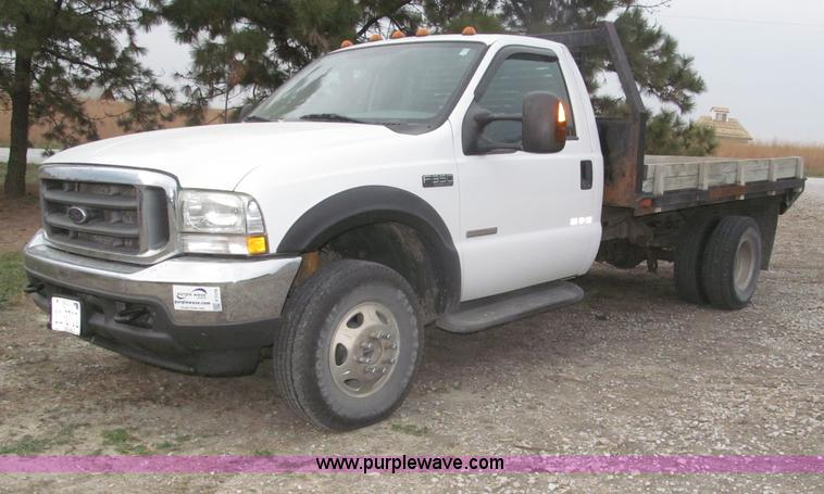 F7179.JPG - 2003 Ford F350 Super Duty XLT flatbed truck , 113,670 miles on odometer , Miles may vary, still in u...