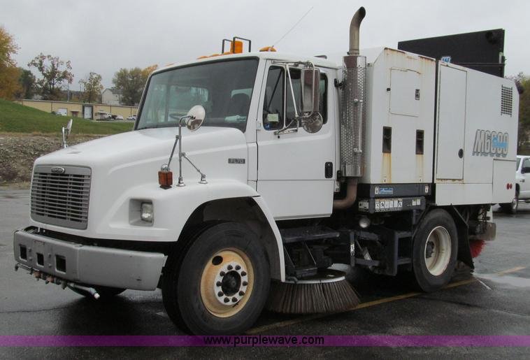 G2173.JPG - 2003 Freightliner FL70 truck with Schwarze M6000 sweeper , 271,141 miles on odometer , 2,929 hours o...