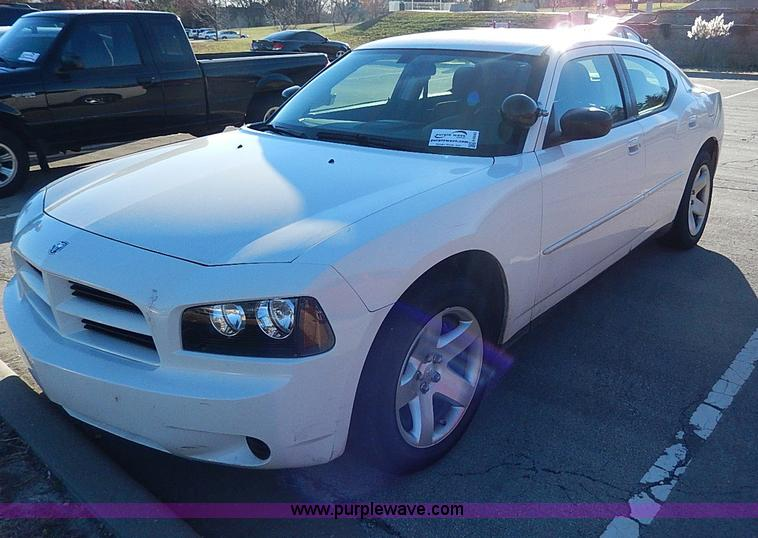 H9543.JPG - 2009 Dodge Charger SE , 82,295 miles on odometer , 5 7L V8 OHV 16V gas engine , Automatic transmissi...