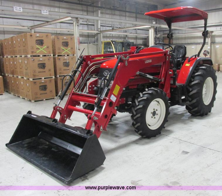 AB9314.JPG - 2007 Changfa/Apollo A5200 tractor , 7 hours on meter , Four cylinder direct injection diesel engine ...