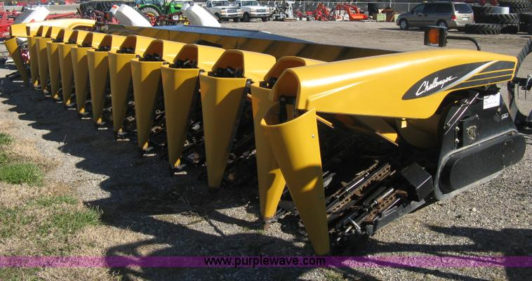 H4394.JPG - 2005 Challenger CH1230 12 row corn head , 30 quot row spacing , Poly fold snouts , 1000 PTO shafts ,...