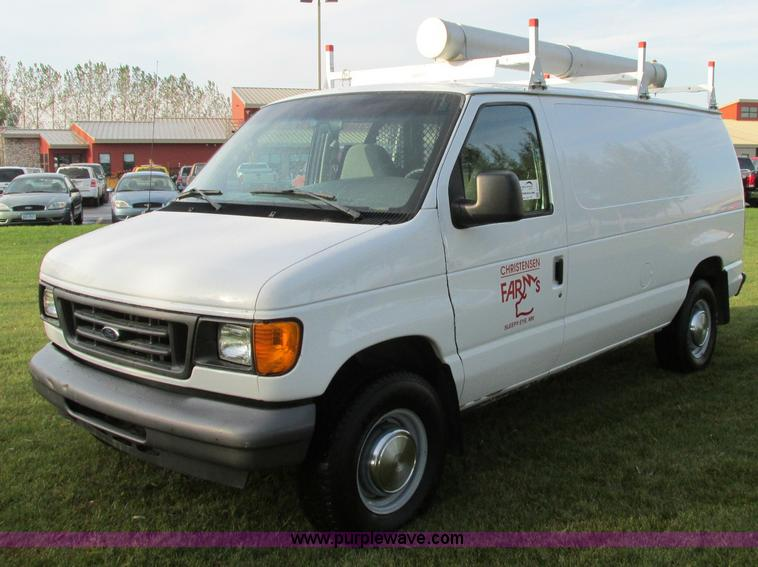 E5217.JPG - 2006 Ford E350 Super Duty van , 171,270 actual miles , 5 4L V8 SOHC 16V gas engine , Automatic trans...