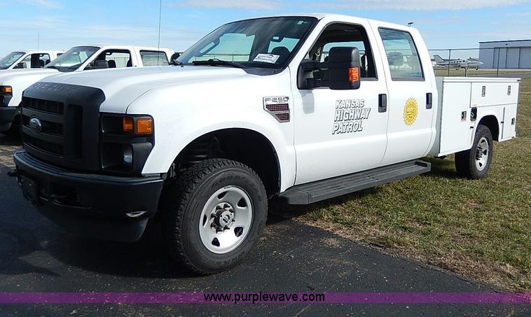 H9548.JPG - 2008 Ford F250 Super Duty XL Crew Cab utility truck , 219,206 miles on odometer , 6 4L V8 OHV 32V tu...