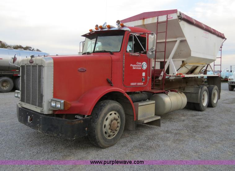 B4799.JPG - 1991 Peterbilt 378 truck cab and chassis , 117,554 miles on odometer , Detroit Diesel Series 60 12 7...