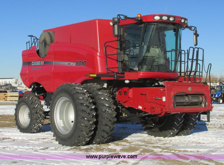 A8651.JPG - 2008 Case IH 8010 combine , 1,142 engine hours on meter , 801 separator hours on meter , Case six cy...