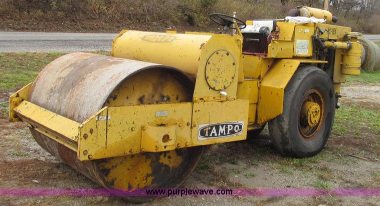 G2187.JPG - Tampo RS16A vibratory smooth drum roller , Detroit Diesel three cylinder diesel engine , Hydrostatic...