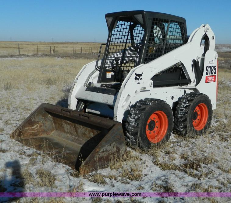 D6079.JPG - 2011 Bobcat S185 skid steer , 647 hours on meter , Kubota 2 6L four cylinder diesel engine , Serial ...