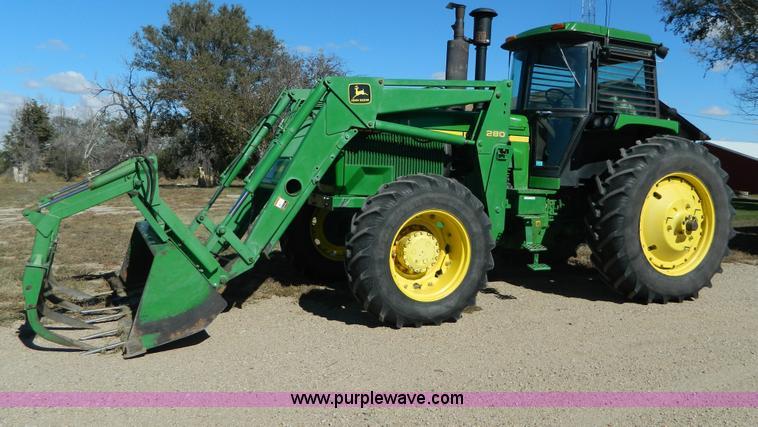 AZ9108.JPG - 1984 John Deere 4850 MFWD tractor , 11,259 hours on meter , John Deere six cylinder diesel engine , ...