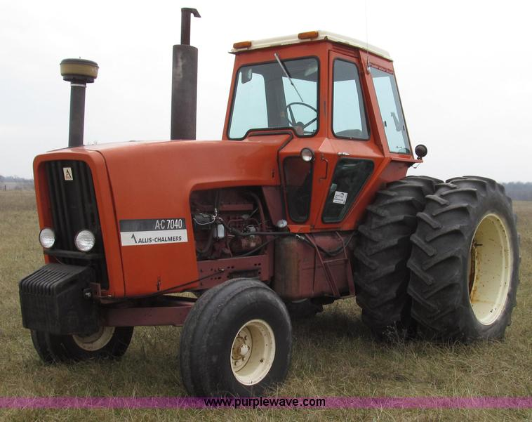 G2207.JPG - 1974 Allis Chalmers 7040 tractor , 4,184 hours on meter , AllisChalmers 3500 six cylinder diesel eng...