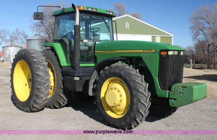 G4445.JPG - 1995 John Deere 8300 MFWD tractor , 8,660 hours on meter , John Deere 6076HRW35 six cylinder turbo d...