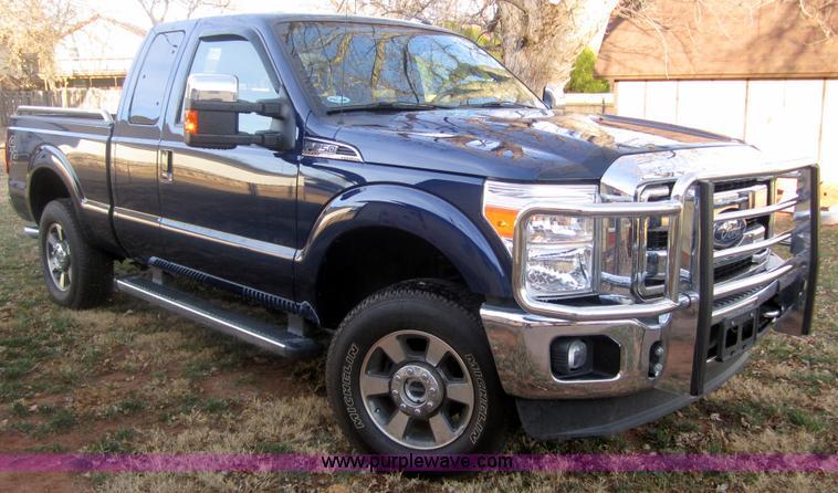 I5750.JPG - 2011 Ford F250 Lariat Super Duty SuperCab pickup truck , 11,556 actual miles , 6 2L V8 OHV 16VFFV ga...