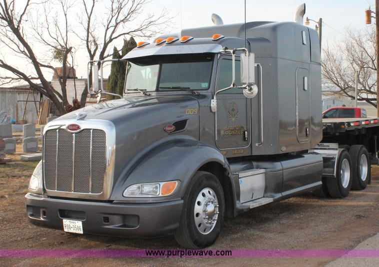 C3639.JPG - 2009 Peterbilt 386 semi truck , 623,271 miles on odometer , Caterpillar C13 turbo diesel engine , En...