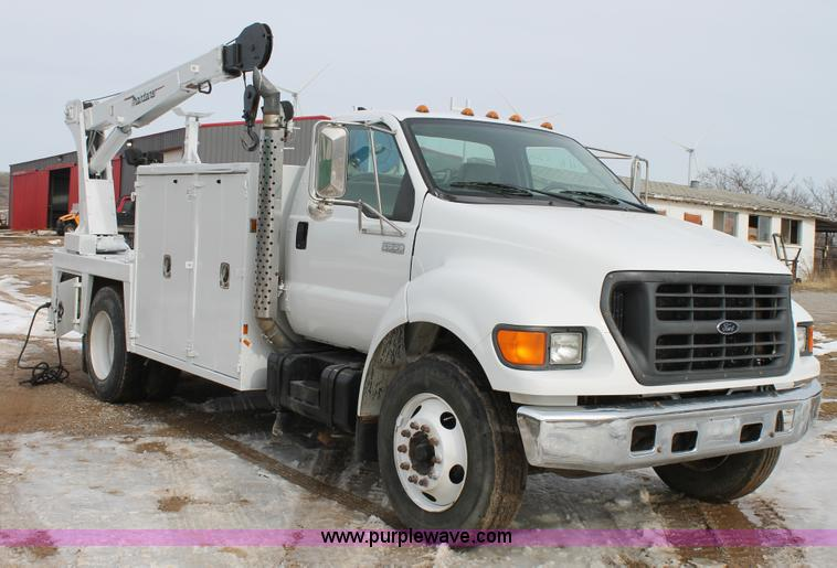 C3642.JPG - 2000 Ford F650 service truck , 303,503 miles on odometer , Caterpillar 7 2L L6 diesel engine , Five ...