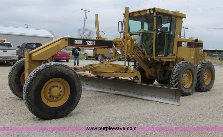 F5459.JPG - 1995 Caterpillar 120H articulated motor grader , 8,652 hours on meter , Caterpillar six cylinder die...