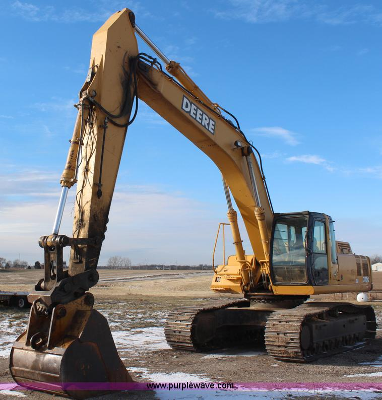 No Reserve Auction On Tuesday May 07: 2003 John Deere 370C Excavator