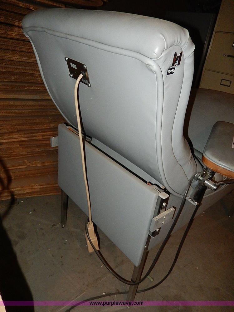 AP9770D.JPG - Electric phlebotomy chair , Model 4R4211 , Adjustable side arms , Rear controls ...