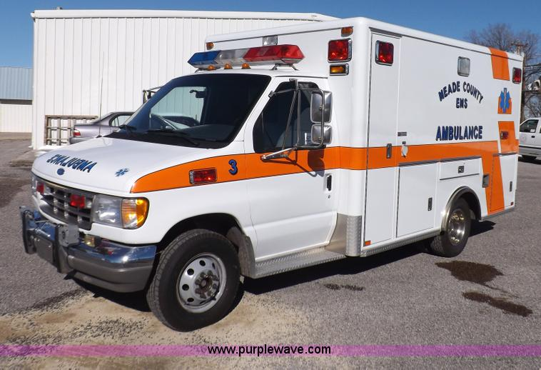 I9244.JPG - 1996 Ford Econoline E350 ambulance , 104,845 miles on odometer , 7 3L V8 OHV 16V turbo diesel engine...