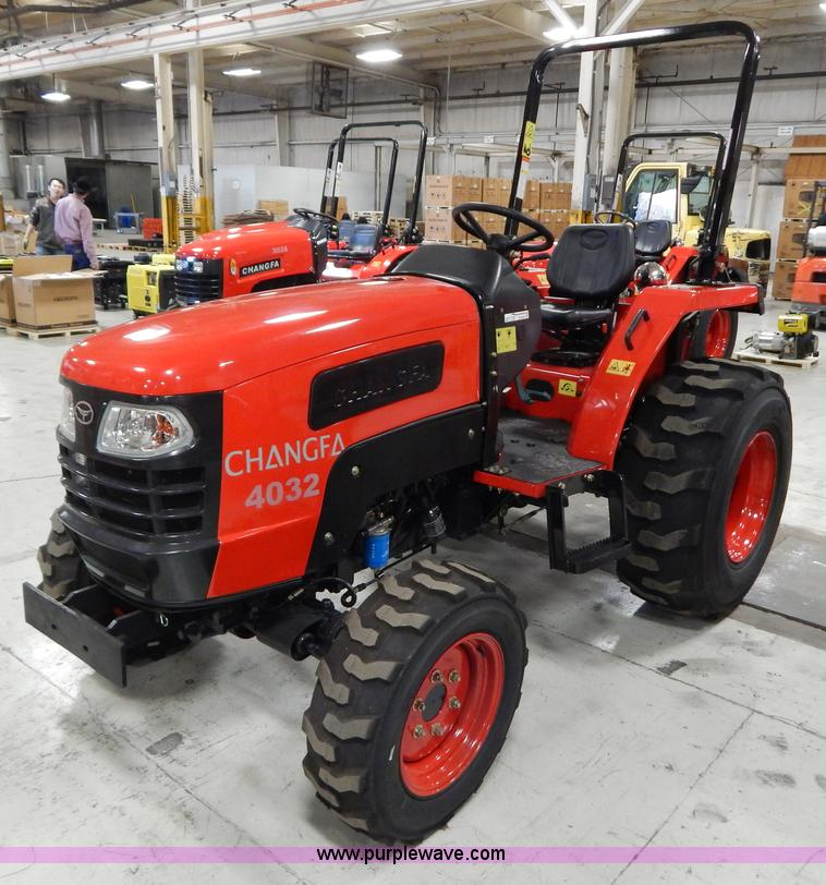 AO9242.JPG - 2012 Changfa 4032 MFWD tractor , 5 1 actual hours , Three cylinder direct injection diesel engine , ...