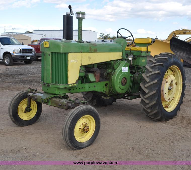 G6195.JPG - 1960 John Deere 730 tractor , 2 hours on meter , John Deere two cylinder diesel engine , Pony motor ...