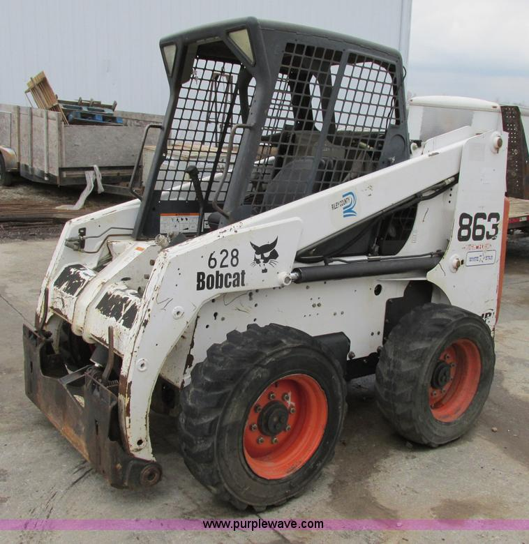 F5490.JPG - 2002 Bobcat 863 skid steer , 2,179 hours on meter , Deutz four cylinder diesel engine , Foot control...