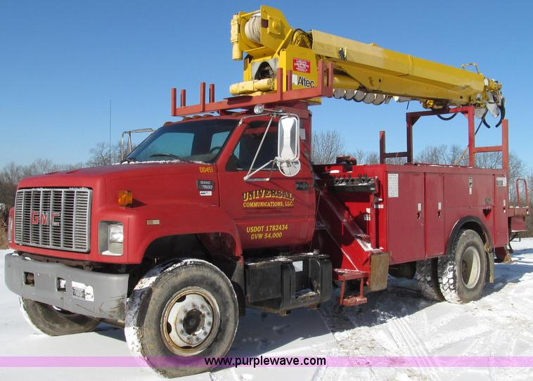 G2216.JPG - 1997 GMC C7500 digger derrick truck , 42,366 miles on odometer , 673 hours on meter , Caterpillar 31...