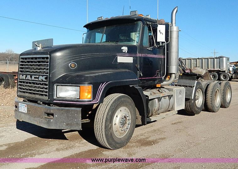 I9484.JPG - 1997 Mack CL713 triple axle semi truck , 151,528 miles on odometer , 8,205 hours on meter , Mack E9 ...