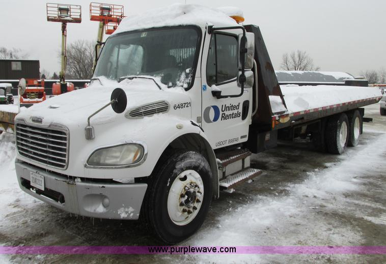 G9185.JPG - 2006 Freightliner Business Class M2 rollback truck , 188,274 miles on odometer , Caterpillar C7 Acer...