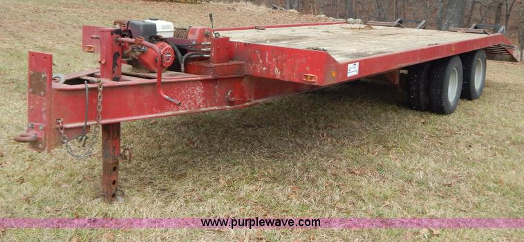 H3852.JPG - 1981 Json equipment trailer , 25L x 100 quot W , 19L deck , 5L dovetail , 5L x 20 quot W ramps , Woo...