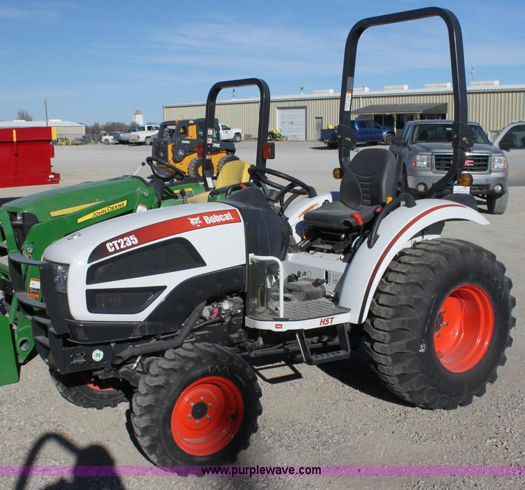 C1685.JPG - 2012 Bobcat CT235 MFWD tractor , 10 hours on meter , 34 HP diesel engine , Three speed hydrostatic t...