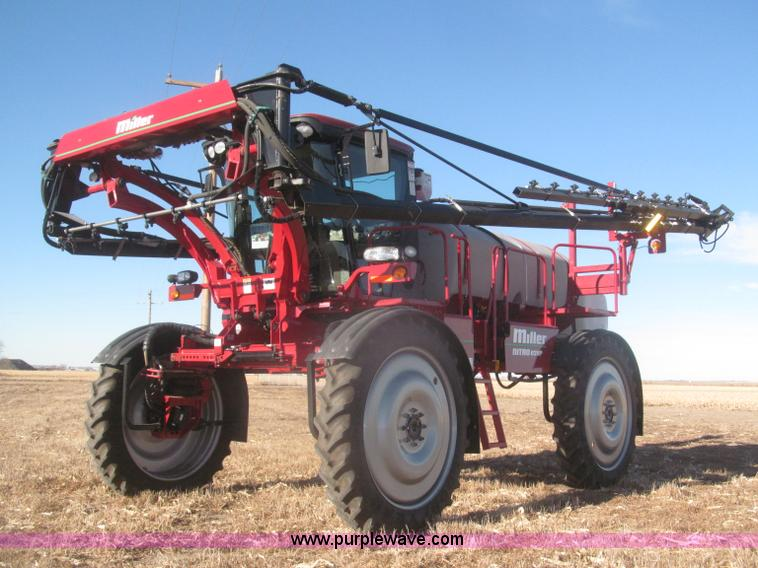 F7219.JPG - 2011 Miller Nitro N2XP self propelled sprayer , 642 hours on meter , Cummins QSB 6 7L Tier III six c...