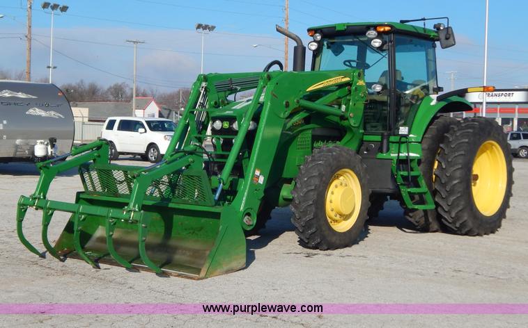 H3832.JPG - 2009 John Deere 7630 MFWD tractor , 358 hours on meter , John Deere six cylinder diesel engine , Aut...