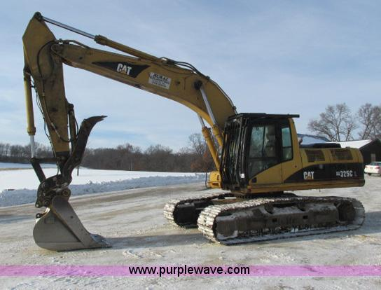 G8899.JPG - 2002 Caterpillar 325C L excavator , 13,901 hours on meter , Caterpillar 3176 diesel engine , 275 HP ...
