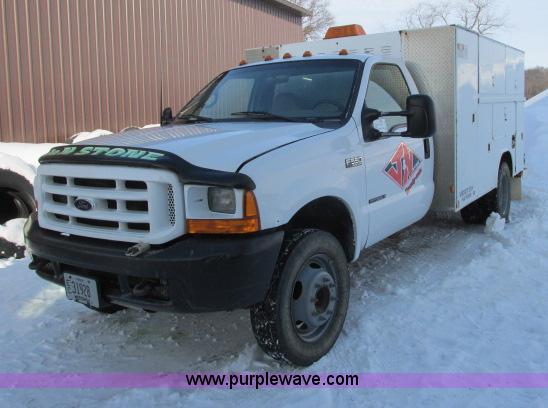 G8900.JPG - 2000 Ford F550 utility truck , 114,864 miles on odometer , 7 3L V8 OHV 16V turbo diesel engine , Fiv...