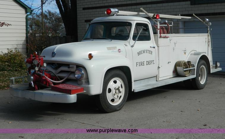 AZ9019.JPG - 1955 Ford F500 fire truck , 1,456 actual miles , Power King 132 gas engine , Four speed manual trans...
