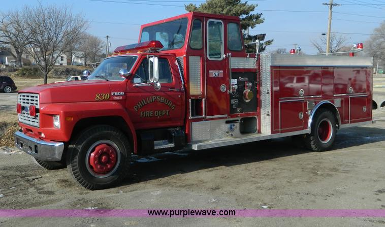 D6085.JPG - 1988 Ford F800 pumper fire truck , 4,149 miles on odometer , 7 0L V8 gas engine , Five speed manual ...