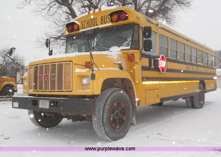 F7220.JPG - 1996 GMC B7 Bluebird school bus , 211,662 miles on odometer , 6 0L V8 gas engine , Five speed manual...