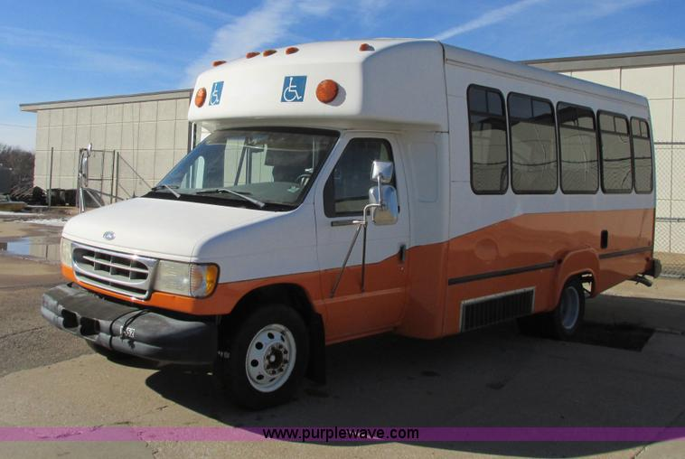 I4939.JPG - 1998 Ford Econoline E350 transit bus , 200,812 miles on odometer , 17,121 hours on meter , 7 3L turb...