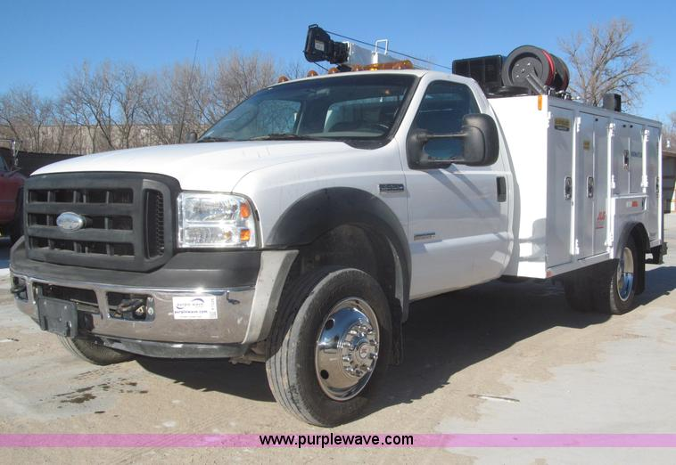 F7226.JPG - 2006 Ford F550 Super Duty XL service truck , 47,852 actual miles , 6 0L V8 OHV 32V turbo diesel engi...