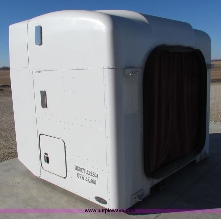 Unibilt ultracab semi sleeper no reserve auction on for Unibilt homes pricing