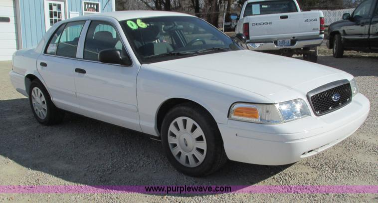 G9368.JPG - 2006 Ford Crown Victoria Police Interceptor , 76,647 miles on odometer , Miles may vary, still in sl...