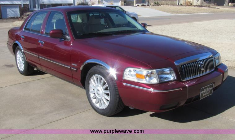 G9579.JPG - 2010 Mercury Grand Marquis LS Ultimate Edition , 47,046 actual miles , 4 6L V8 OHC 16V FFV gas engin...