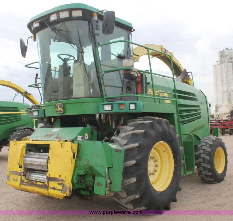 C3701.JPG - 2006 John Deere 7500 forage harvester , 4,594 engine hours on meter , 2,714 cutter hours on meter , ...