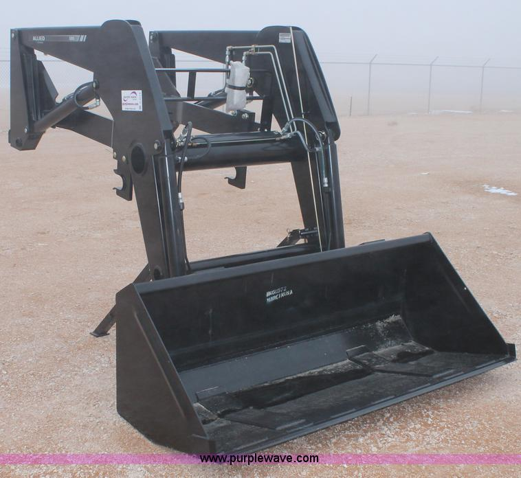 C3714.JPG - Allied FarmKing 595 front end loader , 6W bucket , 126 quot max lift height to pivot pin , 32 quot r...